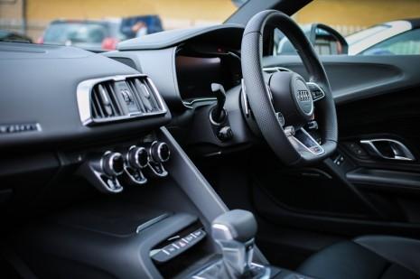 5 dicas para poupar a embraiagem do seu carro