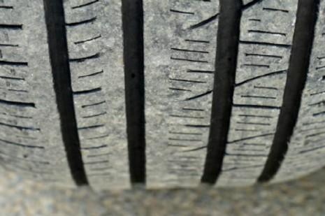 Sabes quando é que deves trocar os pneus do teu carro?