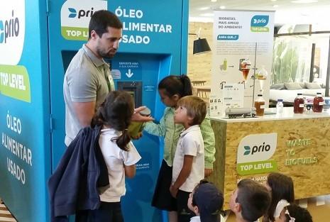 PRIO Top Level ensina alunos a reciclar óleo usado no Greenfest