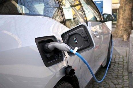 Estudo mostra que quem compra um carro elétrico nunca mais quer um motor a combustão